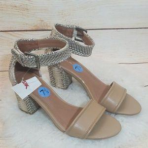 NWT Tahari Adam a kle strap snake block heels 7.5